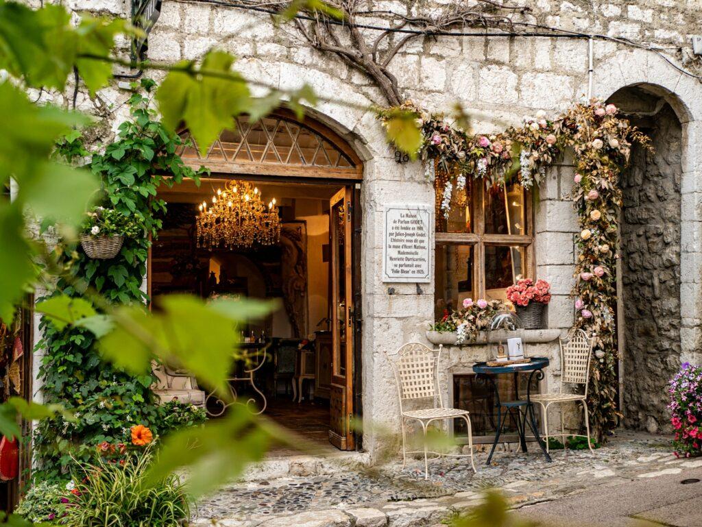 Jak urządzić ogródek w restauracji? Sprawdź 4 podpowiedzi - blog gastronomiczny Bidfood Farutex