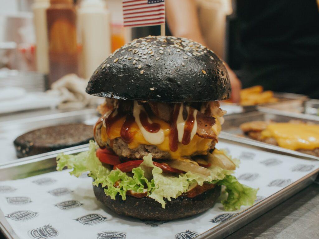 Dodatki do burgera - blog gastronomiczny Bidfood Farutex