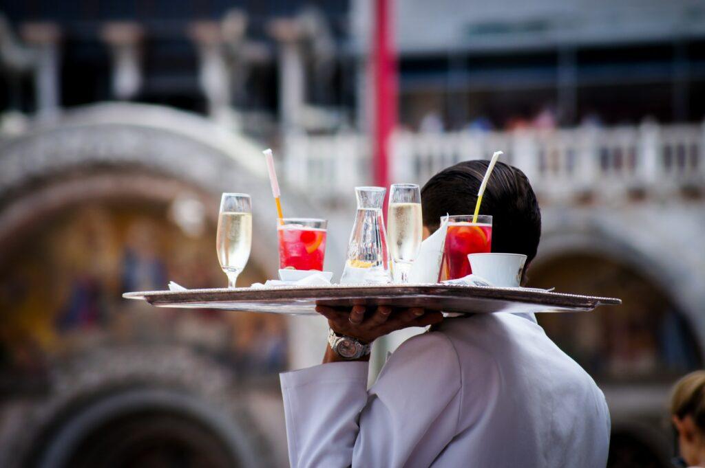 Wina musujące w karcie - blog gastronomiczny Bidfood Farutex