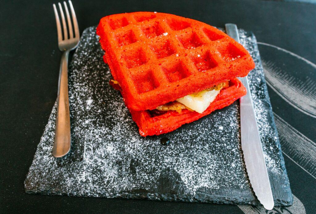Gofr czerwony - walentynki 2021 gastronomia - blog gastronomiczny Bidfood Farutex