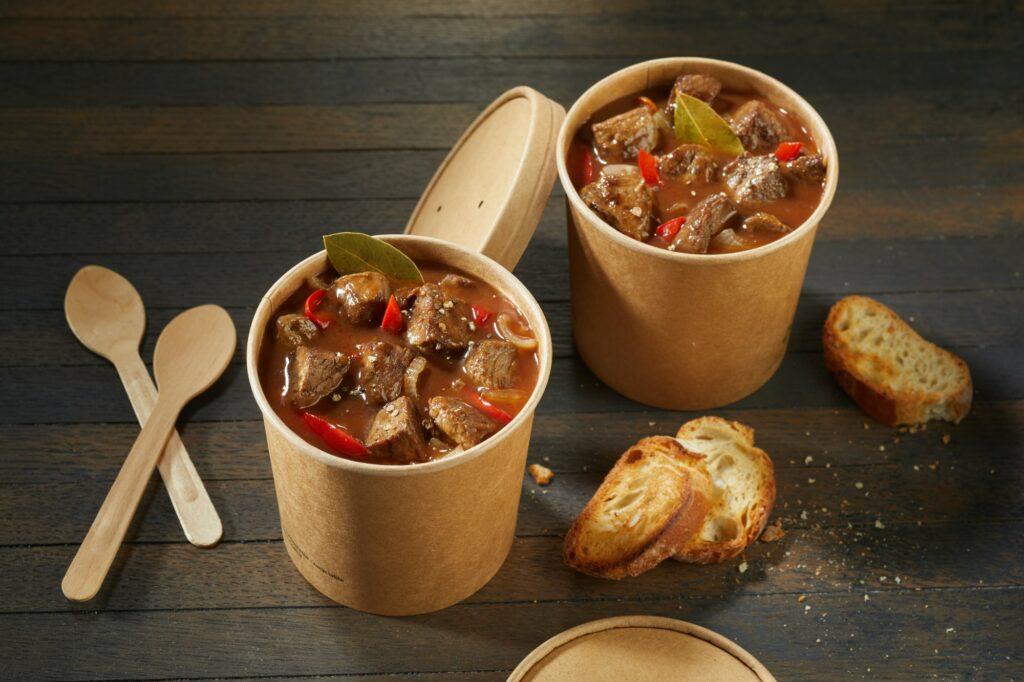 Gulasz na wynos w jednorazowych pudełkach - blog gastronomiczny Bidfood Farutex