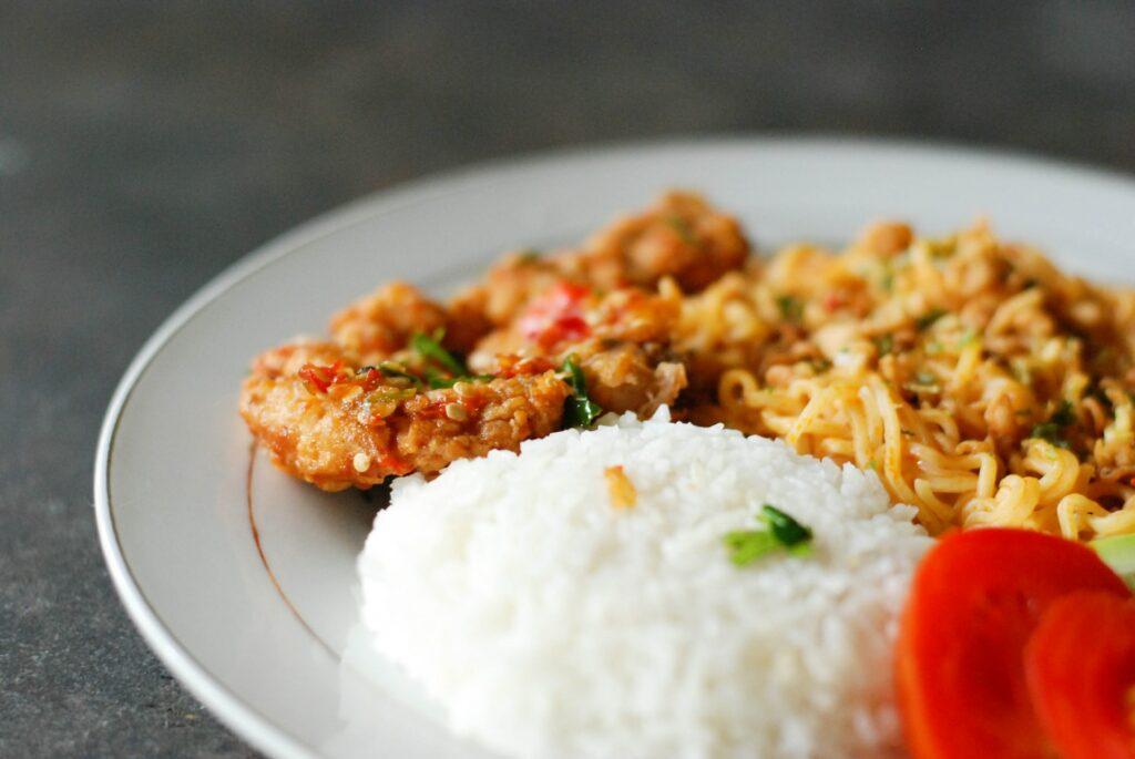 Ryż jaśminowy - do czego wykorzystać? - blog gastronomiczny Bidfood Farutex