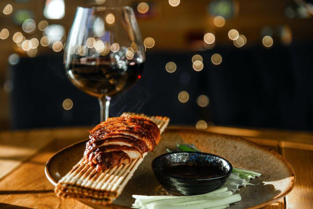 Jak dobrać wino do kuchni azjatyckiej? Sprawdź! - blog gastronomiczny Bidfood Farutex