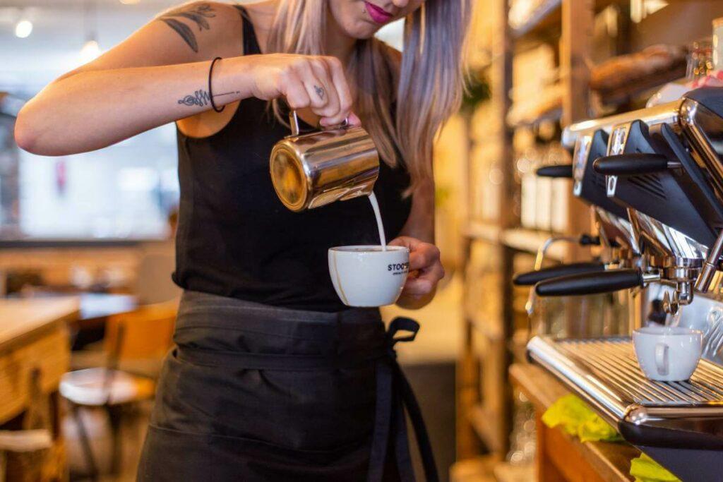 Praca - gastronomia. Jak znaleźć baristę? Sprawdź! - blog gastronomiczny Bidfood Farutex