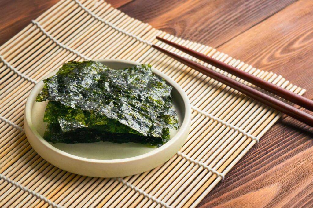 Glony w kuchni - jak wykorzystać glony nori? Sprawdź! - blog gastronomiczny Bidfood Farutex