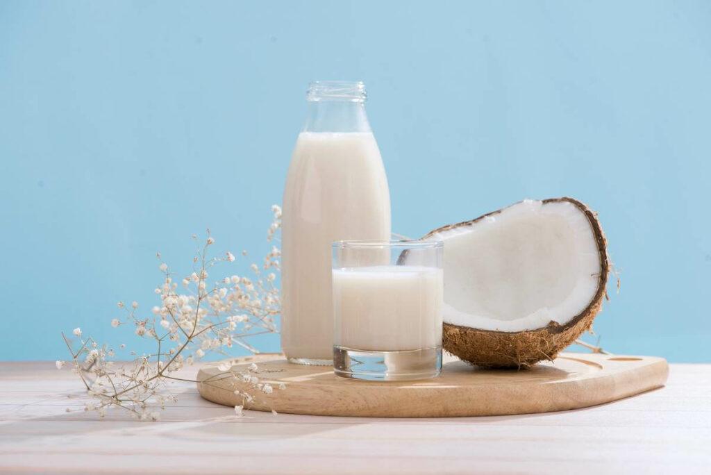 Wegetarianizm - co jeść? Wykorzystaj mleko roślinne! - blog gastronomiczny Bidfood Farutex