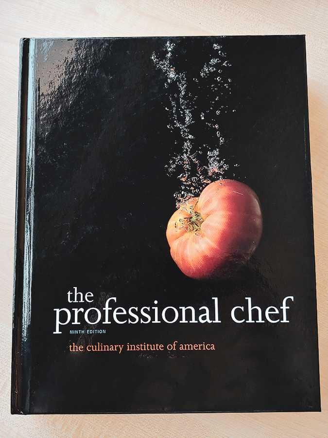 """Jakie książki dla szefów kuchni wybrać? Sprawdź """"The Professional Chef"""" - blog gastronomiczny Bidfood Farutex"""
